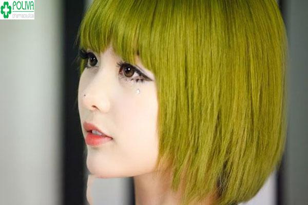 Màu rêu vàng cũng là lựa chọn giúp tôn nét đẹp của bạn gái