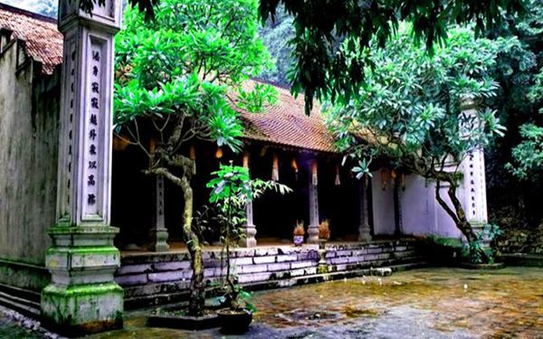 Khám phá khu du lịch sinh thái chùa Trầm – Nét đẹp kỳ vĩ của thiên nhiên