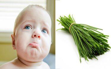 MẸO HAY: lá hẹ giúp trẻ mọc răng không bị sốt