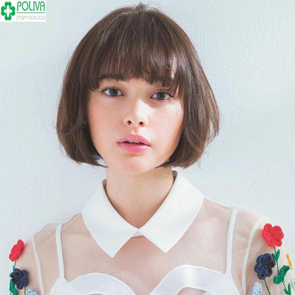 Kiểu tóc tém xoăn bồng bềnh tạo sự trẻ trung, năng động cho bạn gái