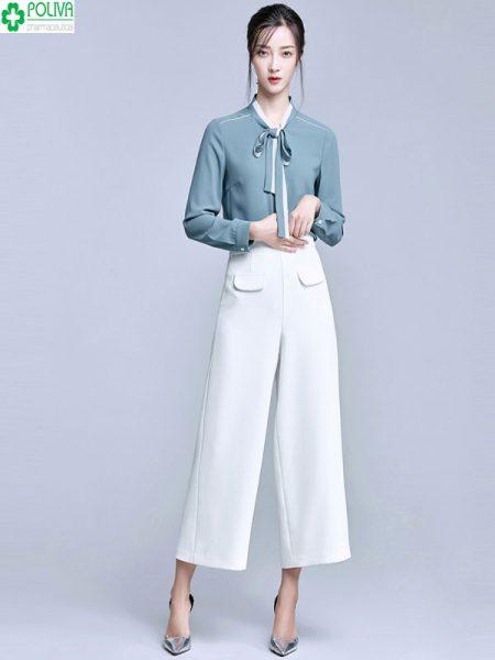 Phối đồ với quần ống rộng với áo sơ mi nhẹ nhàng nhưng vẫn vô cùng tinh tế