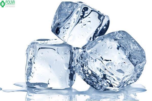 Sử dụng đá lạnh là một trong cách giúp