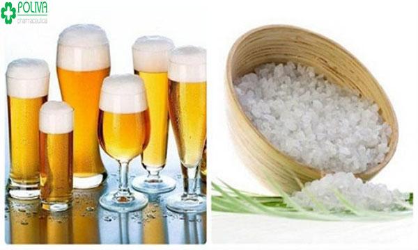 Kết hợp của bia và muối là một trong các cách tắm trắng hiệu quả tại nhà