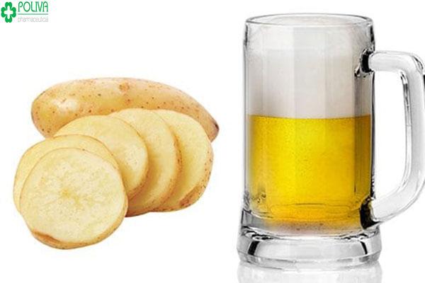 Với những bạn gái da khô hay bị bong tróc vào mùa đông thì sử dụng bia với khoai tây là lựa chọn hoàn hảo