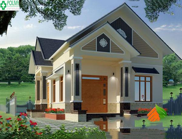Mặt tiền rộng, thoáng cùng kiểu kết cấu mái thái tạo nên nét sang chảnh cho ngôi nhà
