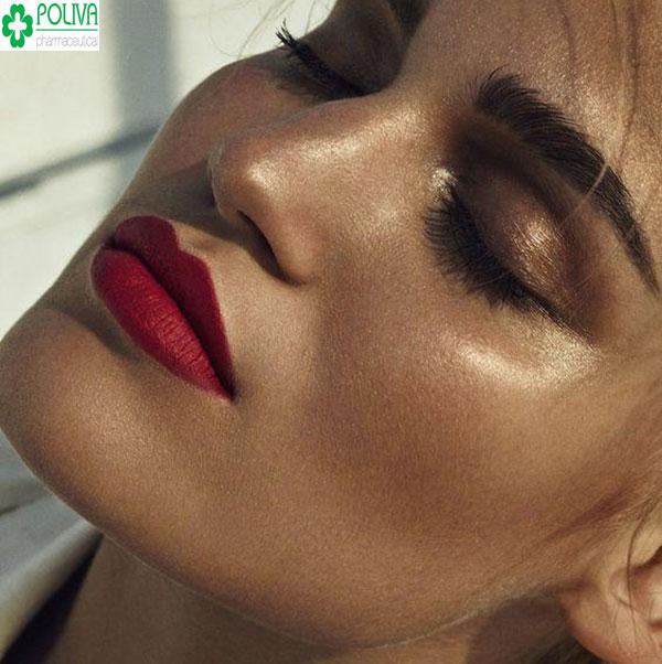 Son đỏ là màu son truyền thống hợp với hầu hết tất cả các loại da