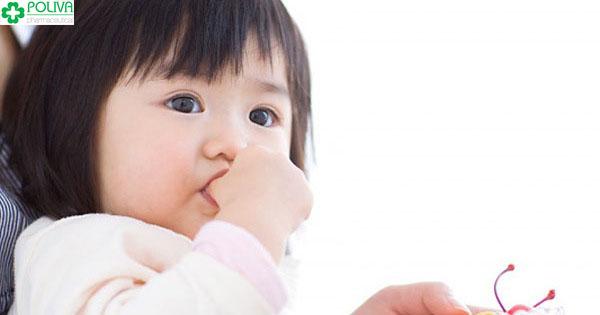 Trẻ đau bụng quanh rốn là do nguyên nhân gì?