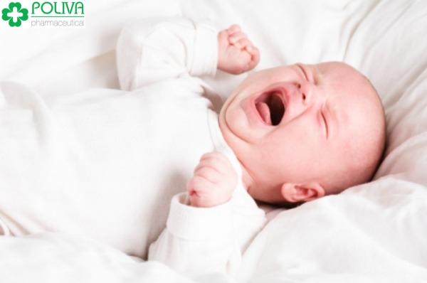 Trẻ sơ sinh bị khô môi – Mẹ xem ngay để biết cách xử lý