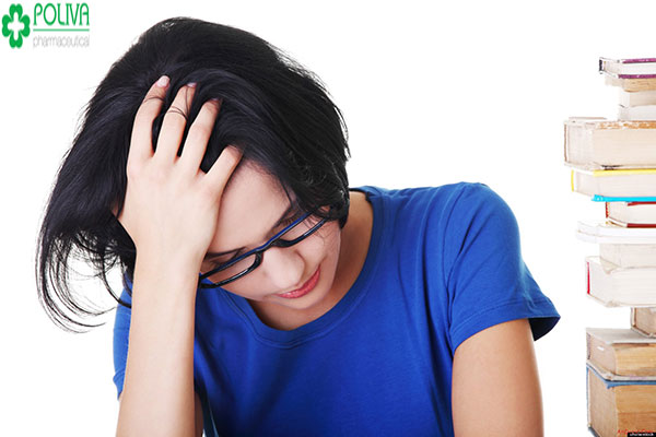 Căng thẳng, mệt mỏi cũng là nguyên nhân khiến phụ nữ bị đau bụng kinh dữ dội
