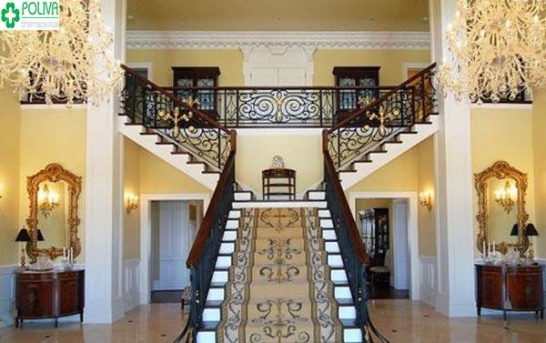 Sử dụng chải thảm để trang trí cho bậc cầu thang tăng sự sang trọng cho ngôi nhà của bạn