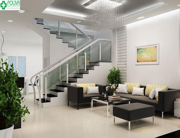 Điểm thêm cây xanh, đèn chiếu tạo một tổng thể hài hòa cho căn phòng khách