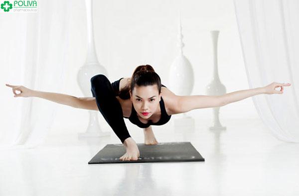 Tập luyện yoga giúp phái nữ cân bằng nội tiết tố giảm tình trạng khô hạn