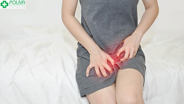Khô hạn giảm ham muốn ở phụ nữ thường biểu hiện ở tình trạng ngứa vùng kín