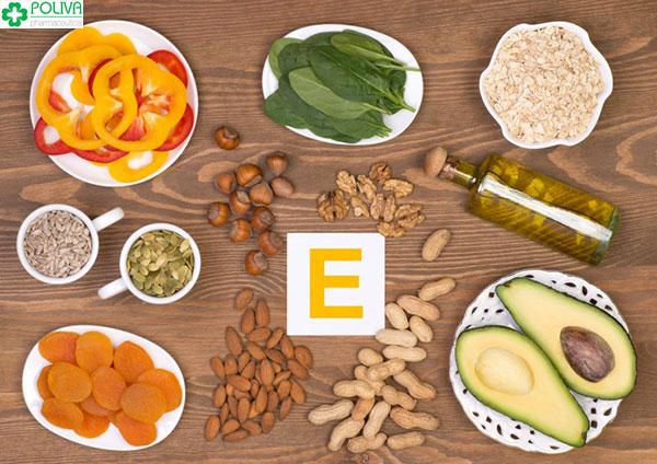 Thực phẩm giàu vitamin E cũng cần được bổ sung