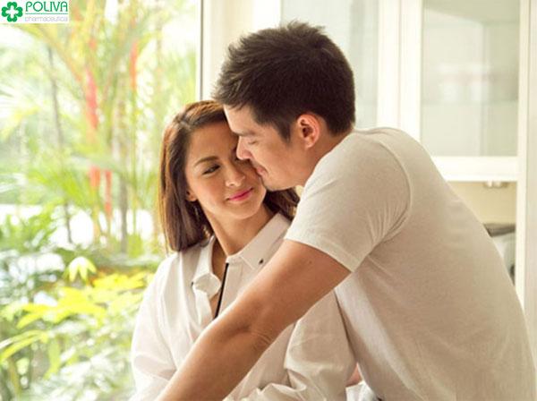 Vợ chồng nên chia sẻ, quan tâm đến nhau nhiều hơn