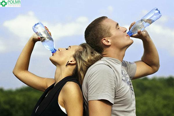 Thường xuyên cung cấp đủ nước cho cơ thể