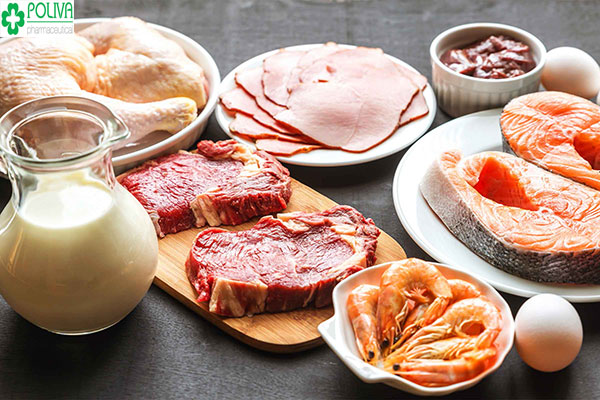 Thịt, trứng, cá, tôm là những chất đạm không thể thiếu giúp thai nhi nhanh vào tử cung