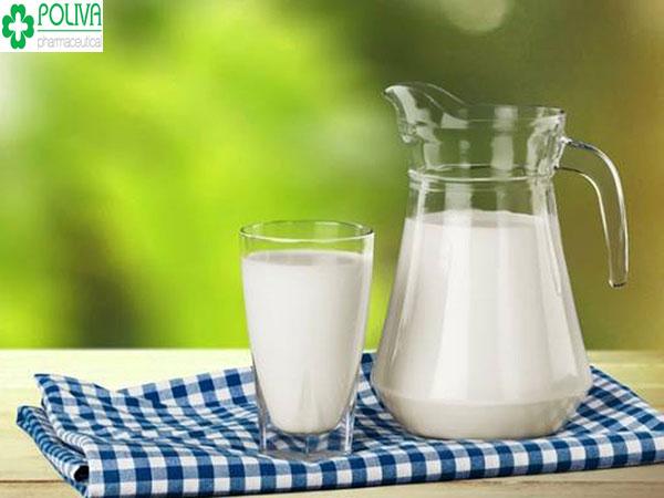 Chị em sau khi mổ thai ngoài tử cung đừng quê uống sữa