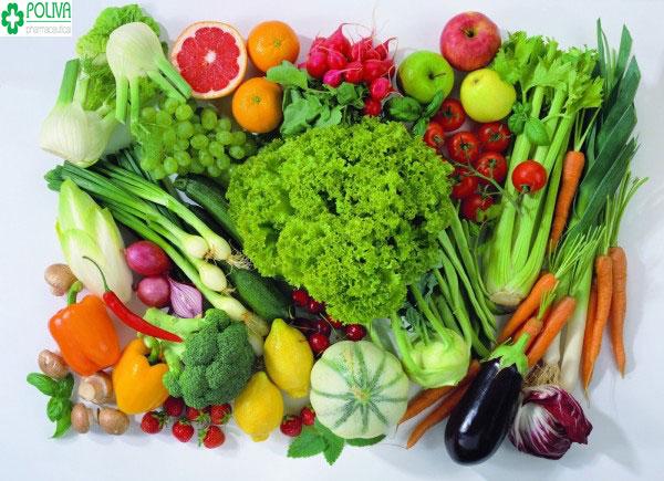 Chị em nên bổ sung đầy đủ chất dinh dưỡng, rau xanh, hoa quả...