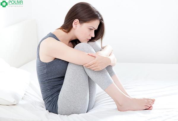 Mắc bệnh phụ khoa cũng khiến phái nữ quan hệ ra máu bất thường