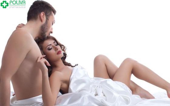Đàn ông thích làm gì với người tình sau khi quan hệ?