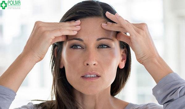 Hàm lượng hormone progesteron tăng cao gây tình trạng nhức đầu, mệt mỏi ở nữ giới