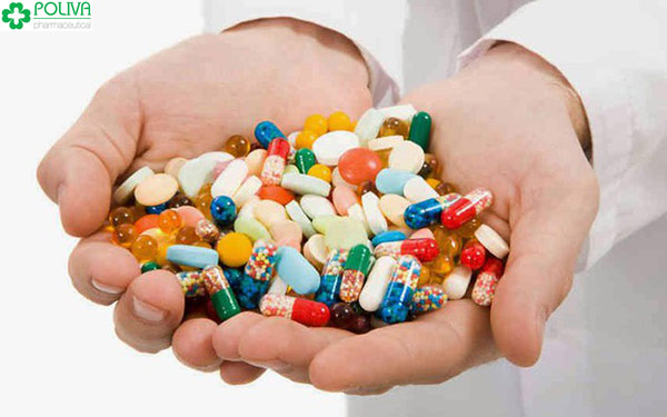 Bác sỹ kê đơn kháng sinh liều cao cho bệnh nhân bệnh nhẹ