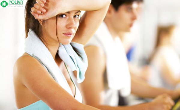 Hoạt động mạnh khiến tinh trùng nhanh bị trào ngược ra ngoài
