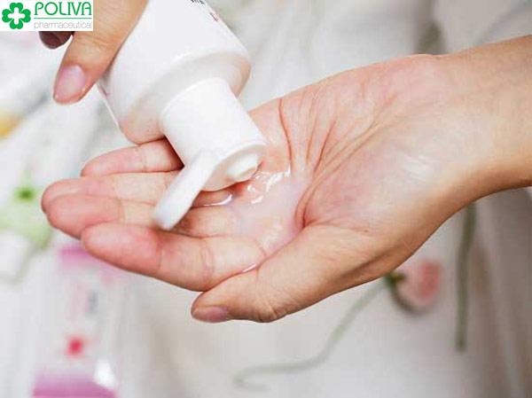 Vệ sinh vùng kín sau khi quan hệ là cách làm giảm bớt tinh trùng trong cô bé