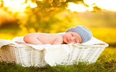 Vàng da ở trẻ sơ sinh sinh lý và bệnh lý KHÁC nhau thế nào?