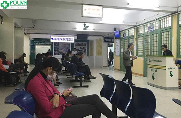 Review khám bệnh trĩ: Bệnh viện lúc nào cũng đông đúc