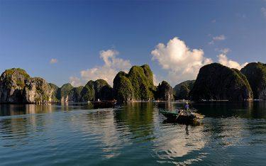 1001 lý do bạn không thể bỏ qua vịnh Lan Hạ vào mùa hè này