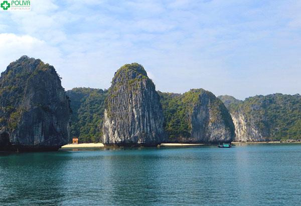 Vẻ đẹp hoang sơ, hùng vĩ của vịnh Lan Hạ