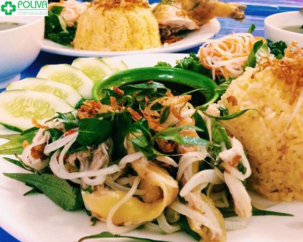 Cơm gà Tam Kỳ được cho vào danh sách top 10 món ngon ở Quảng Ngãi