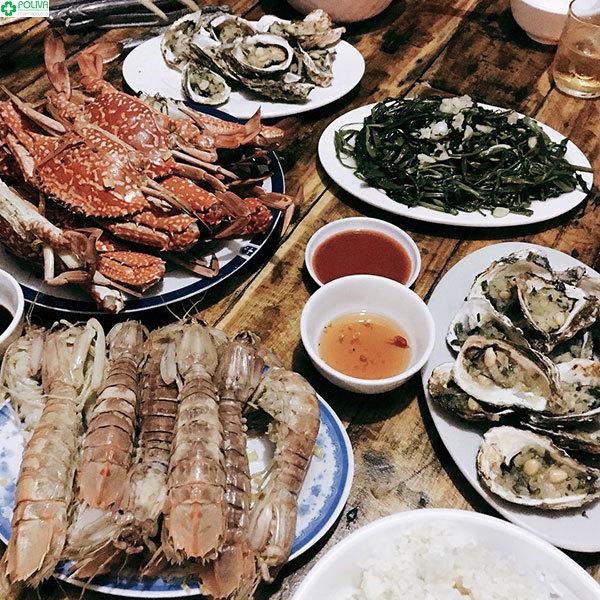 Không thể không thưởng thức hải sản khi đến đảo Quan Lạn
