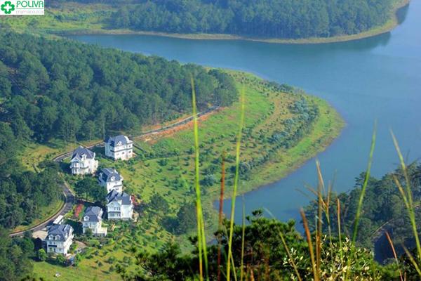 Hồ Xạ Hương nhìn từ trên cao đẹp đến nao lòng