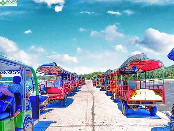 Xe tuk tuk trên đảo Quan Lạn