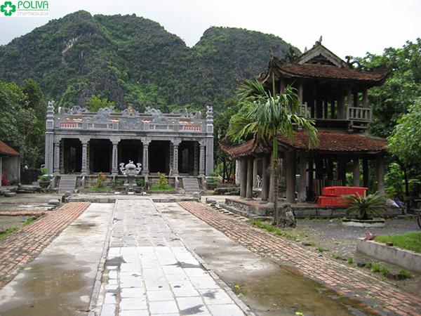 Đừng quên ghé thăm đền Thái Vi linh thiêng.