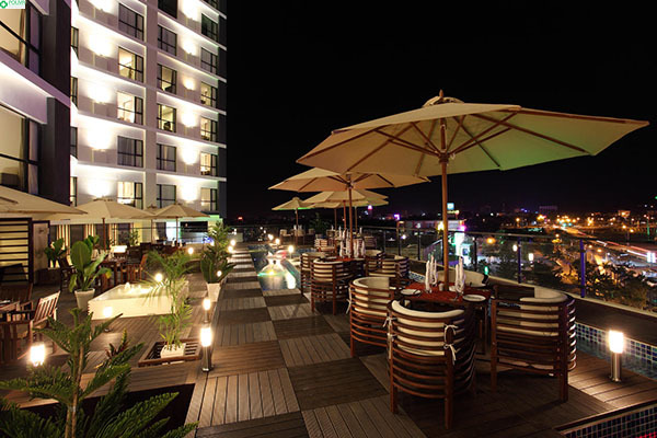 Khách sạn Cendeluxe sang trọng sẽ cung cấp những tiện nghi cao cấp nhất cho bạn.