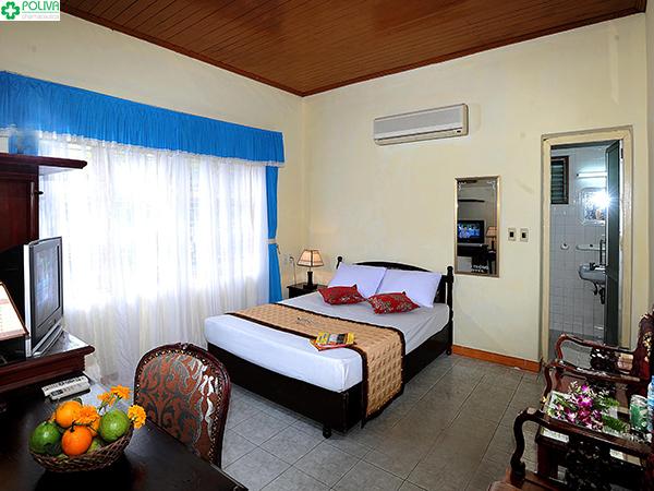 Khách sạn Vạn Thông được khá nhiều du khách yêu thích.