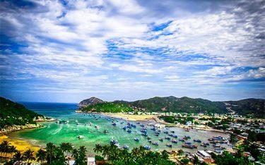 """Vịnh Vĩnh Hy : Có gì """"hot"""" đến vậy ở vịnh biển đẹp nhất nhì Việt Nam?"""