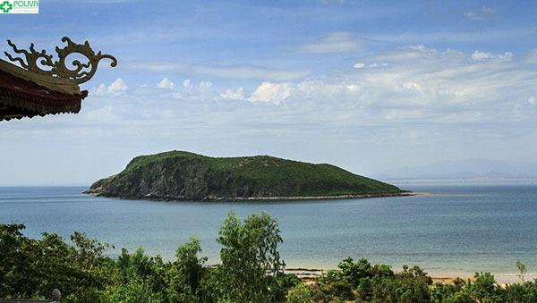 Vẻ đẹp của Đảo Yến nhìn từ phía xa