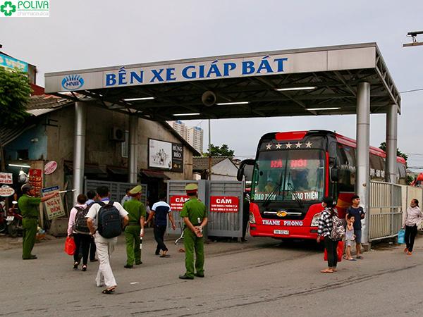 Bạn có thể tới bến xe Giáp Bát để bắt xe khách tới Ninh Bình.