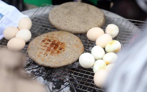 Bánh tam giác mạch: Đặc sản mang tên loài hoa nổi tiếng Hà Giang