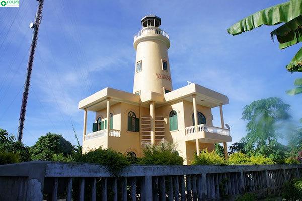"""Ngọn hải đăng Cồn Cỏ được ví như """"mắt ngọc"""" của vùng đảo"""
