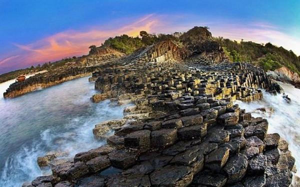 Gành Đá Dĩa: Vẻ đẹp tuyệt tác của mảnh đất Phú Yên