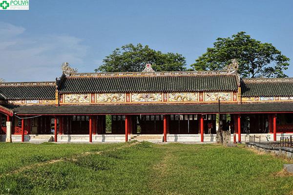 Tử Cấm Thành bảo vệ các cung điện phía bên trong Đại Nội Huế.