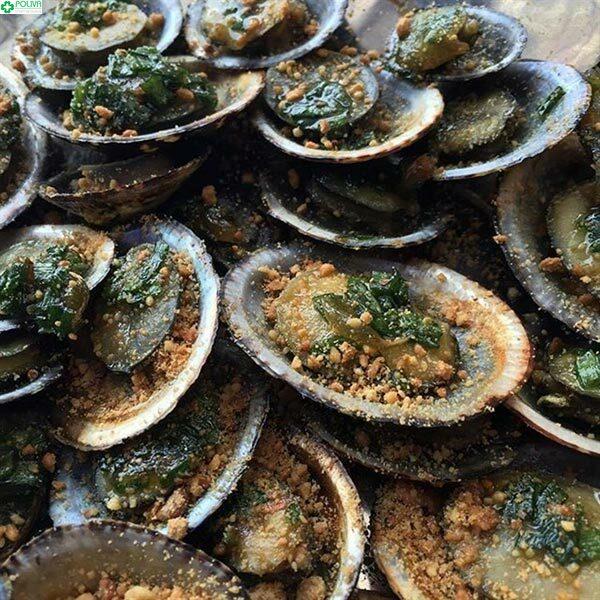 Đừng quên thưởng thức các món hải sản ngon lành nhé!