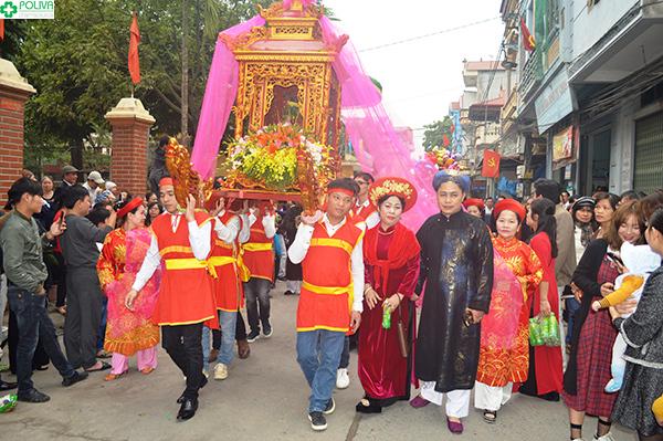 Rước Mẫu ở Hội Lim.