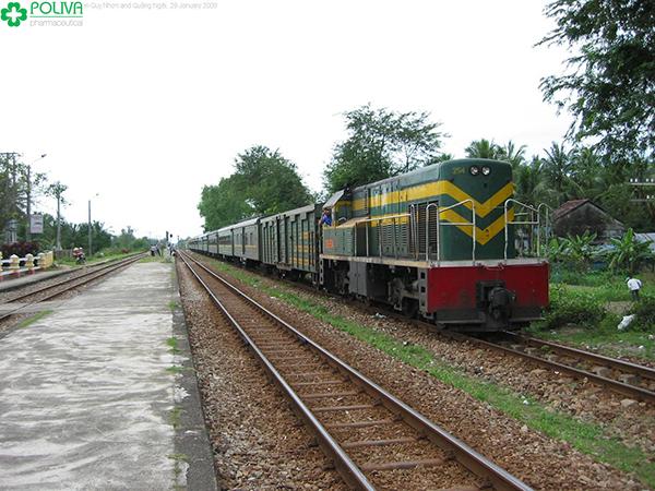 Tàu hỏa là phương tiện di chuyển thuận tiện cho du khách.
